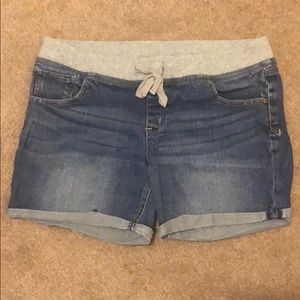 Justice denim shorts size 18.5
